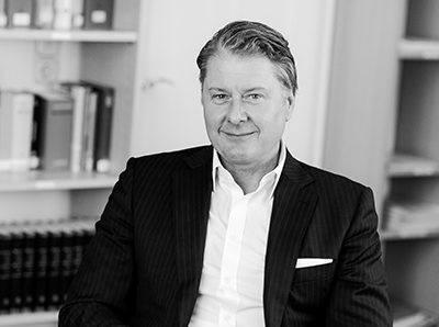 Ralf Düker, Steuerfachwirt